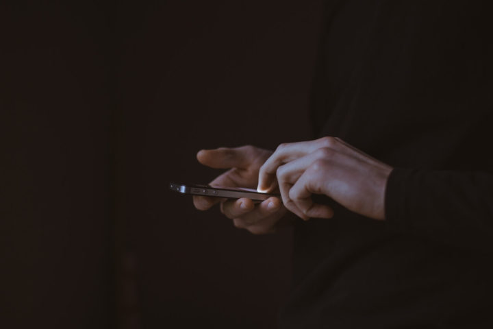 Баранов А.А., Рожина С.В. Психологический анализ причин подросткового кибербуллинга
