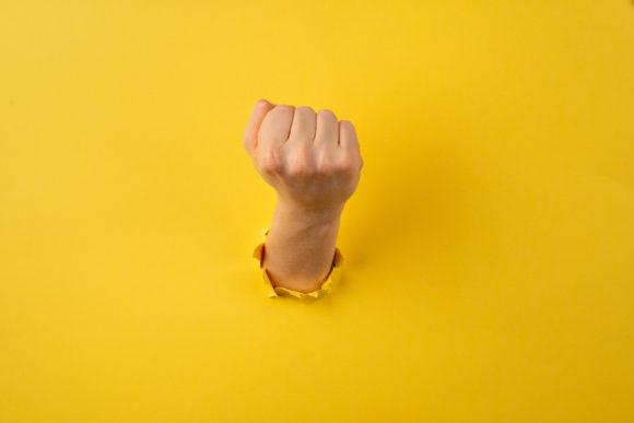 Солдатова Г.У., Ярмина А.Н. Кибербуллинг: особенности, ролевая структура, детско-родительские отношения и стратегии совладания