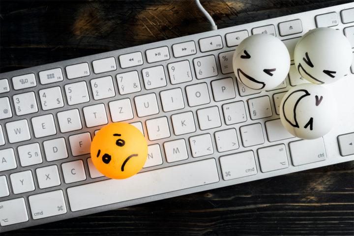 Волкова Е.Н., Волкова И.В., Голубовская А.С. Обзор зарубежных исследований по проблеме кибербуллинга среди подростков и молодежи