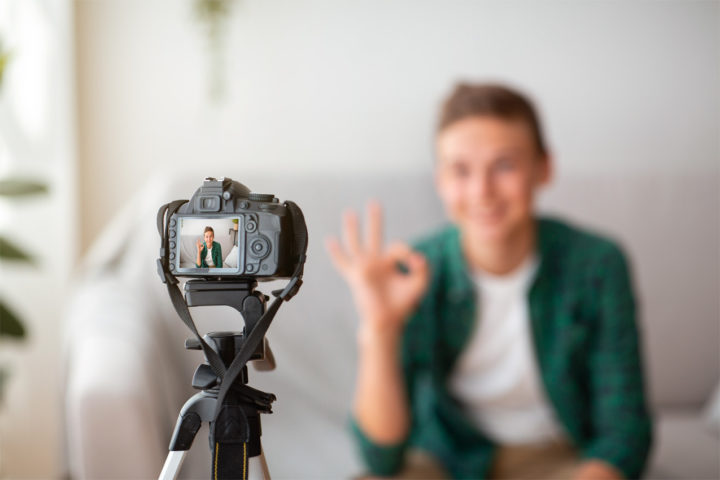 Филипова А.Г, Ардальянова А.Ю., Абросимова Е.Е. Видеоблогинг и современные подростки: опасности интернет-пространства